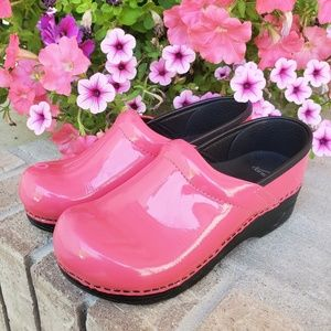Dansko pink shoes size 34 kids leather